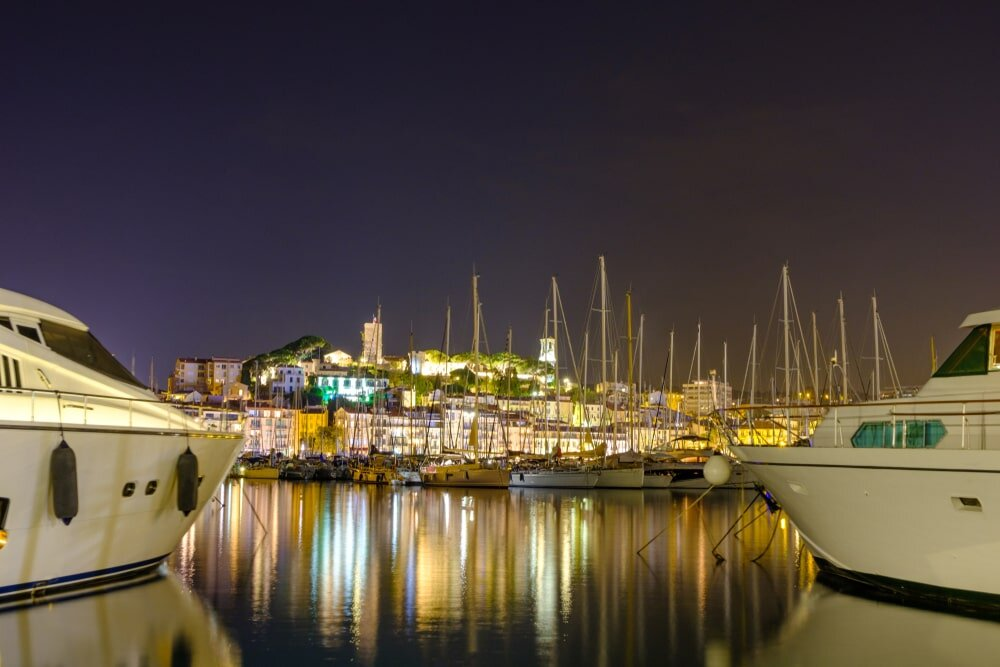 cannes-yacht-charter-2019-min.jpg