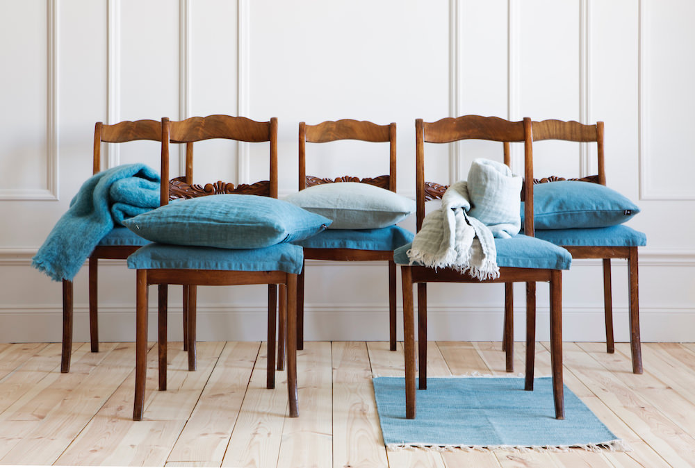 himla_living_hannelin-cushion-relax_sunshinefringe-cushion-throw-balance_weekday-cushion-relax_lawrence-throw-relax_särö-rug-relax_L.jpg