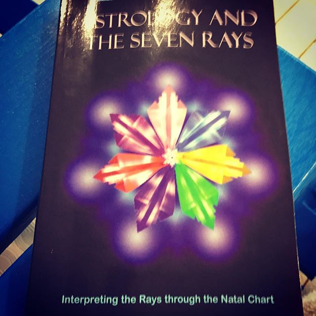 At the pool and into the esoterics of the Hubers. 7rays plus astrology = necessary. #psychosynthesis #astrologyposts #astrology #huberastrology