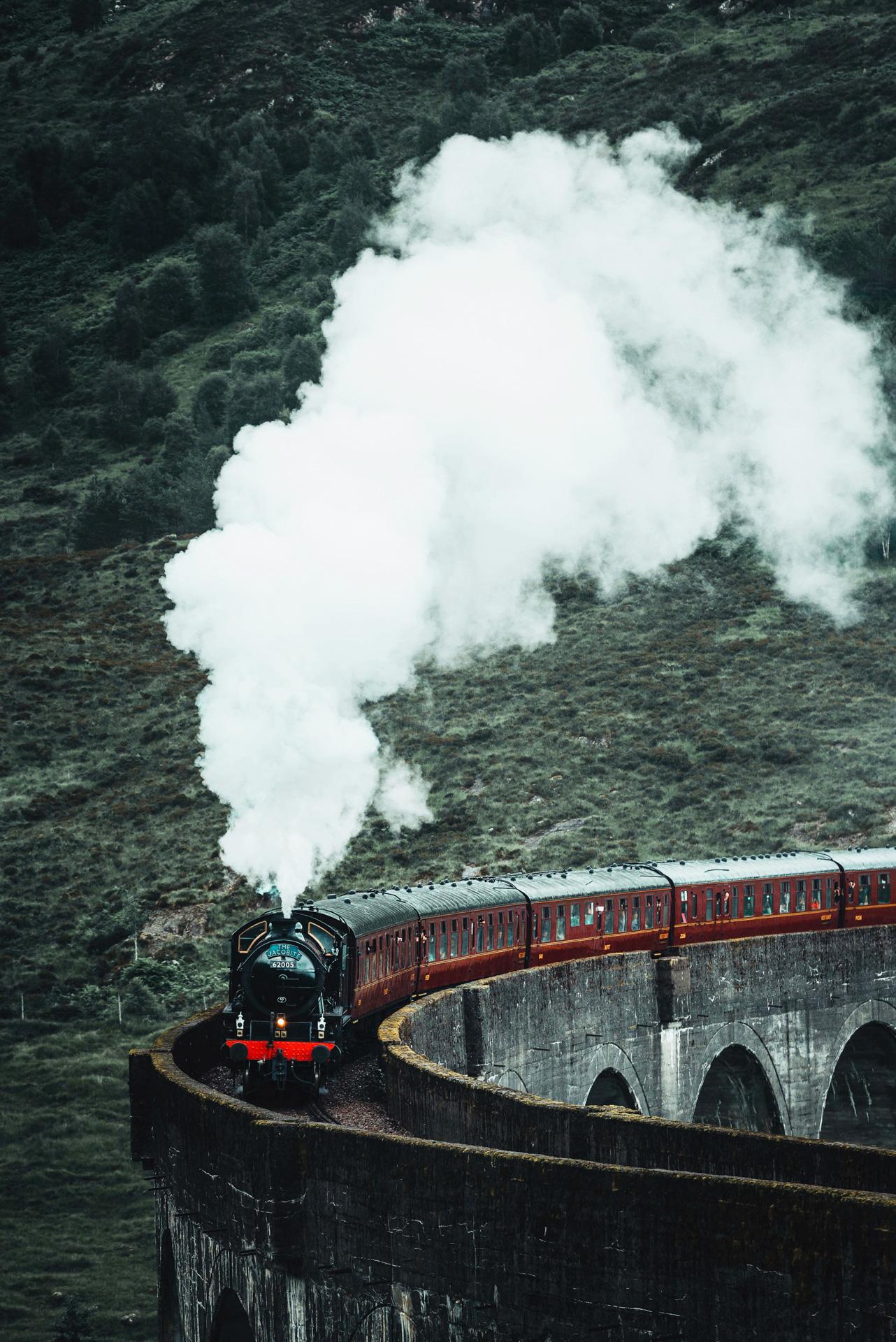 glenfinnan train viaduct