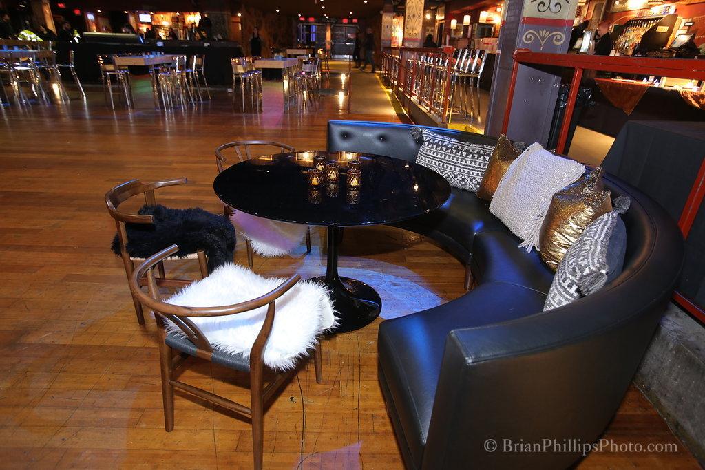 2 tulip lounge.JPG