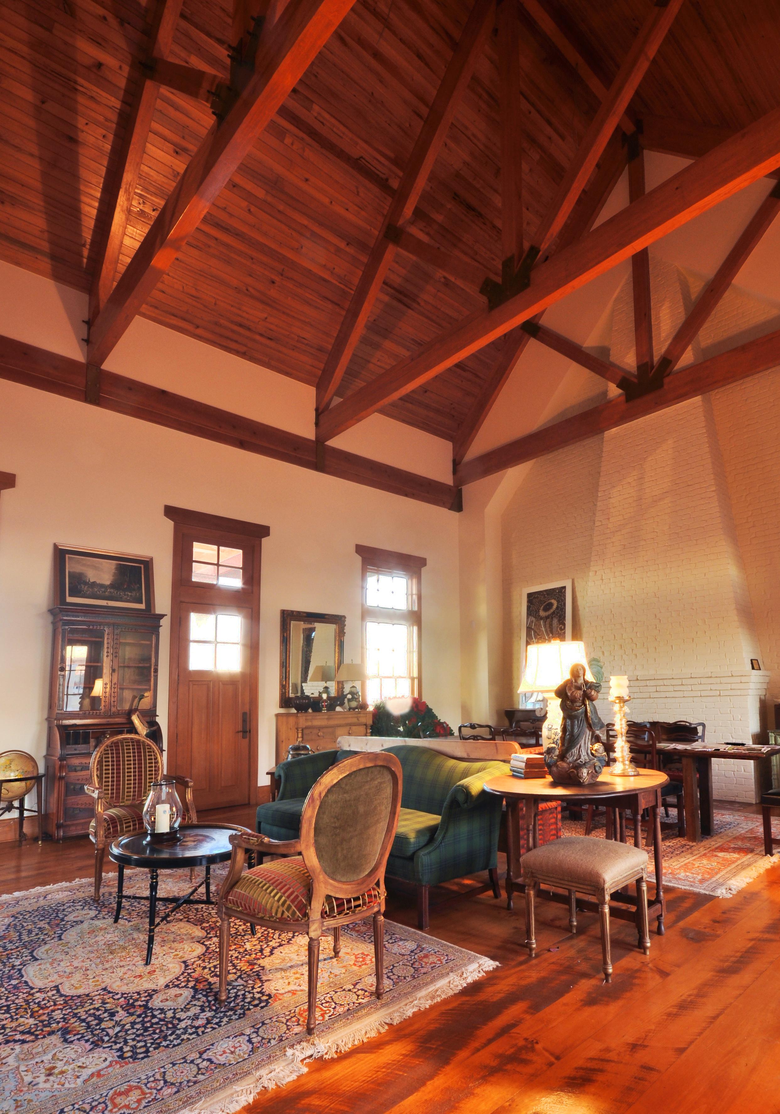 Bearskin_vaulted_ceiling.jpg