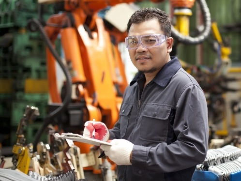 Safety Lenses & Glasses - We offer a range of safety glasses equipped with industry standard polycarbonate lenses and protective side shields. We can facilitate the production of your safety glasses from manufactures such as HOYA Saftey and Securo Vision through your employer as well.