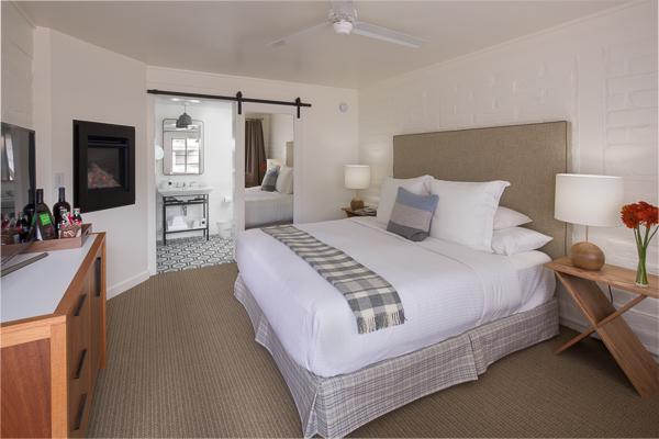 Getaway Bedroom Block Wall__400x600.jpg