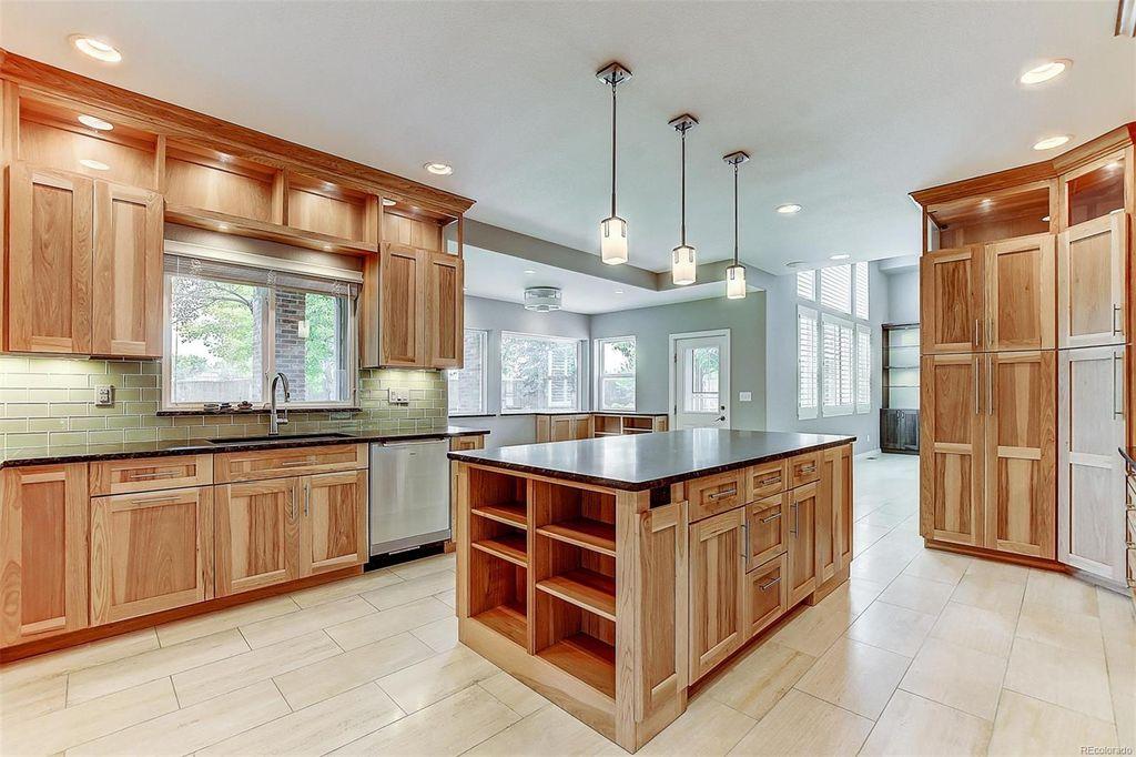 kitchen RE 1.jpg