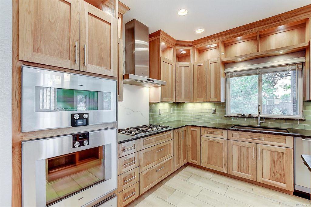 kitchen RE 3.jpg