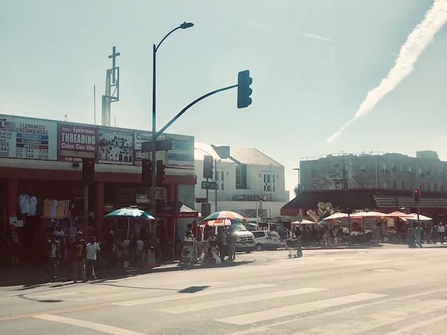 Food street vendors on Sixth Street. Photo: Mildred Montesflores