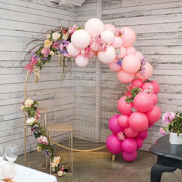 Special thank you to @tableandco.ca for taking our vision and creating this beautiful photo backdrop for our guests, complete with the most awesome ombré balloon installation from @frankieandcoshop that we've ever seen 🤩