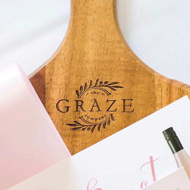 A few details from our Hostess with the Mostest Summer Edition Workshop last month 💫 Each guest took home with them this beautiful round board to create their own grazing masterpieces with 👌🏻 Sign up to our newsletter on our website to be the first to get access to tickets once our Holiday Edition workshop goes on sale 🌲