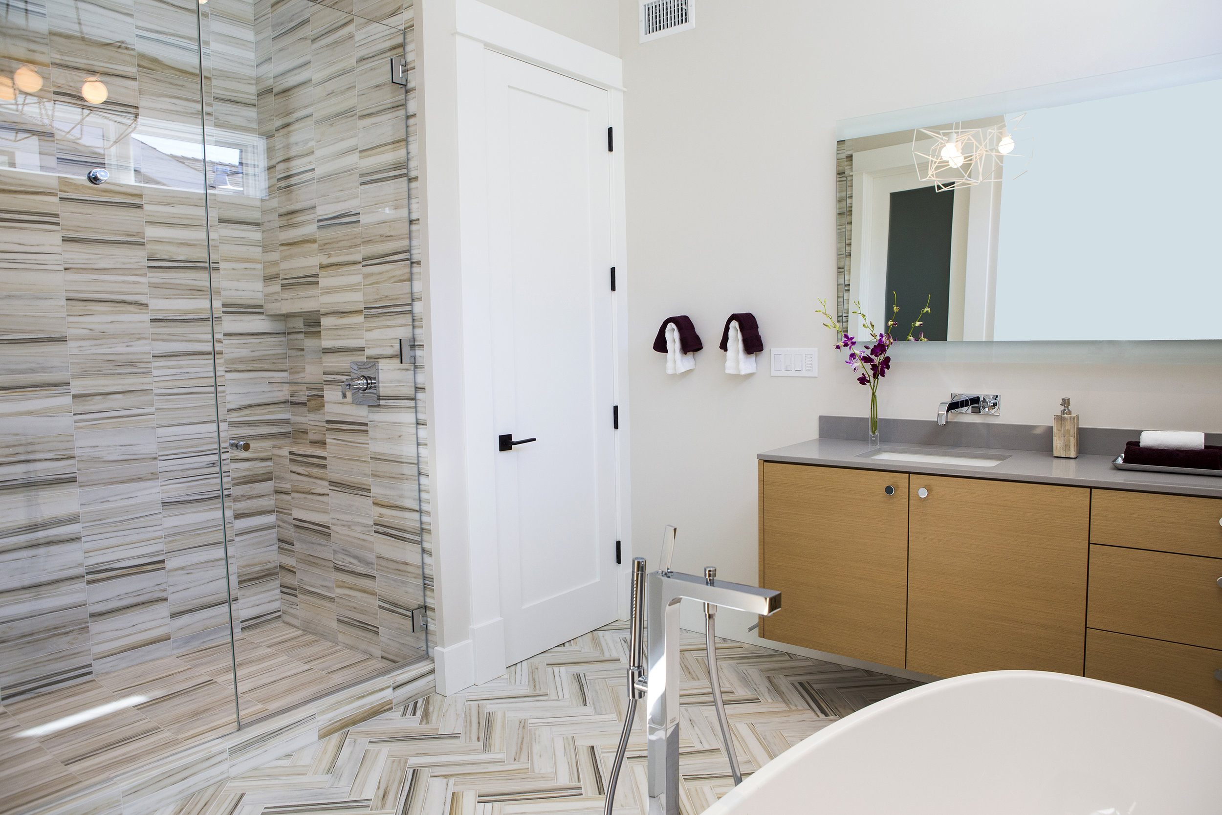 bathroom 2 view.jpg