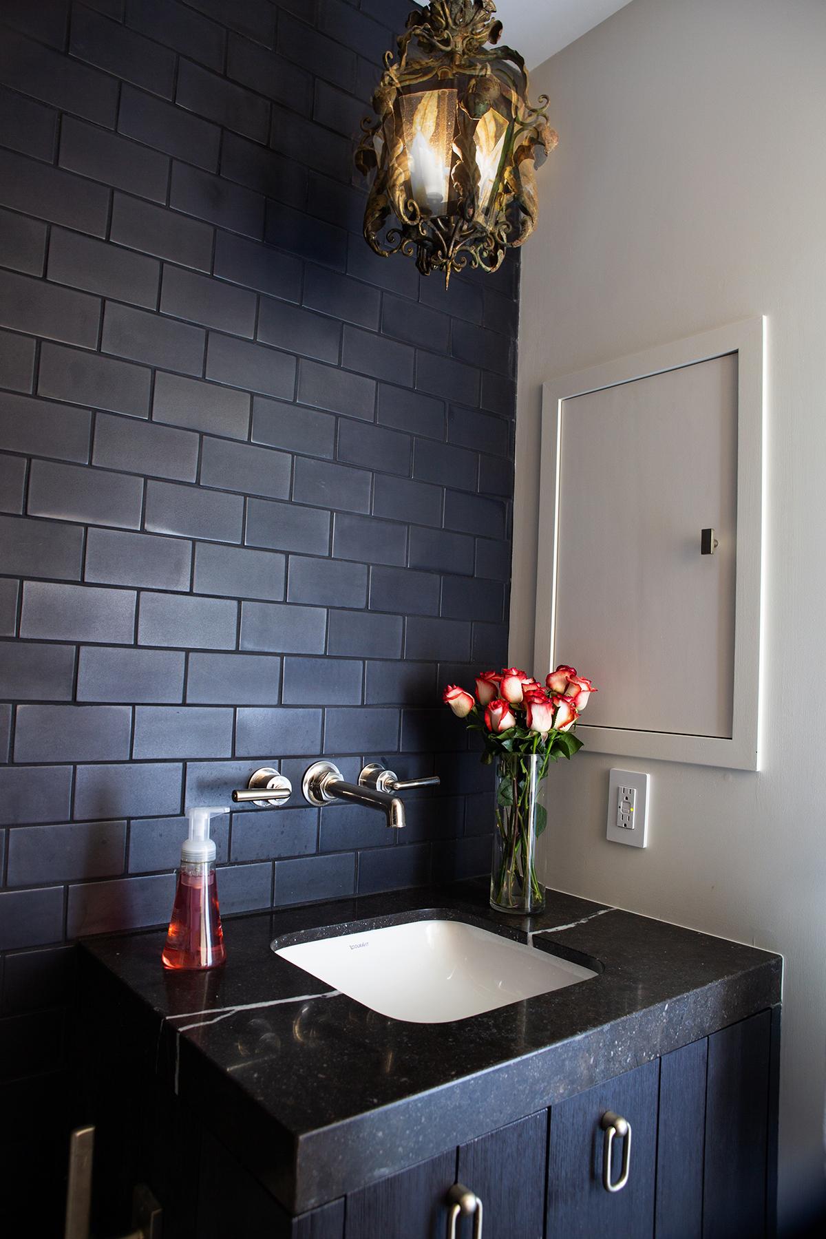 black bathroom 4x6.jpg