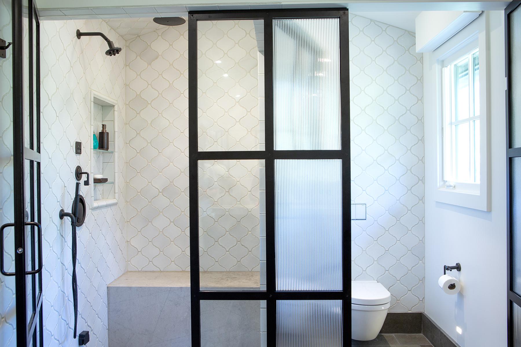 shower with toiltet.jpg