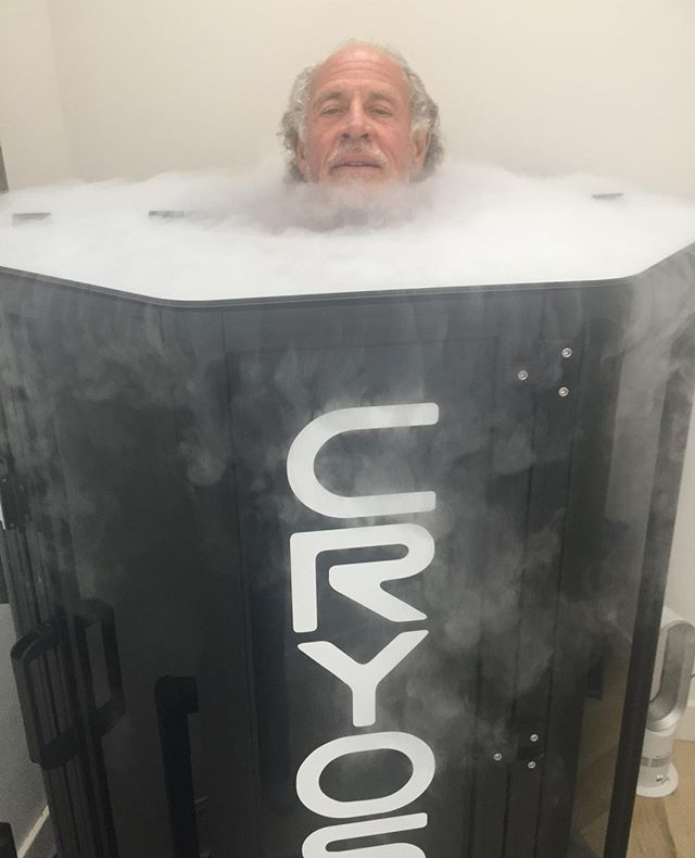 Cryotherapy's ability to reduce inflammation makes it a popular treatment for athletes, fitness enthusiasts, and those who suffer from inflammation.⠀ ⠀ We offer $25 First Time Client sessions! Tag someone who needs to give it a try.⠀ ⠀ ⠀ ⠀ #cryoshieldtherapy #cryotherapy #cryo #wholebodycryotherapy #cryosauna #impactcryotherapy #sandiegocryotherapy #sandiego #delmar #shopflowerhill #painmanagement #sportsrecovery #musclerecovery