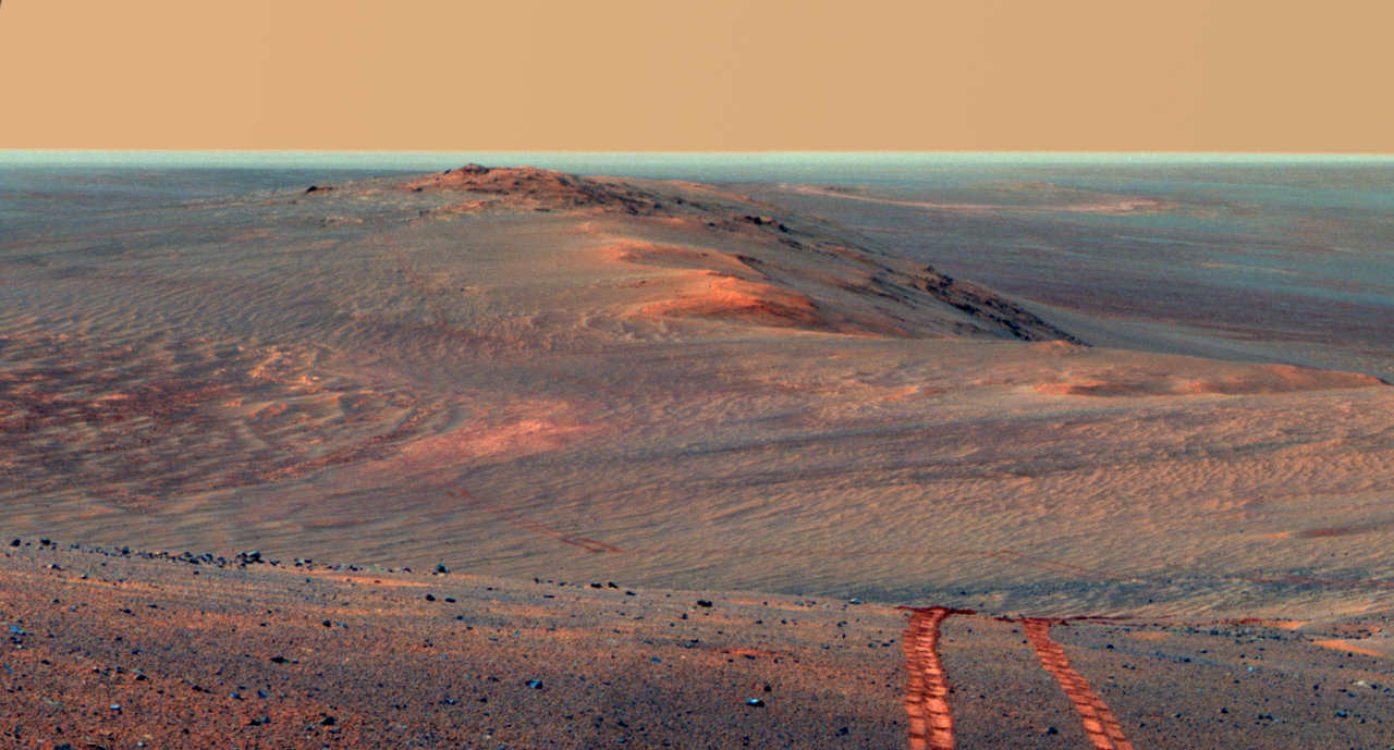 Looking back on Opportunity rover's tracks along the west rim of Endeavour Crater during the Summer of 2014. Credit: NASA/JPL-Caltech/Cornell/ASU.