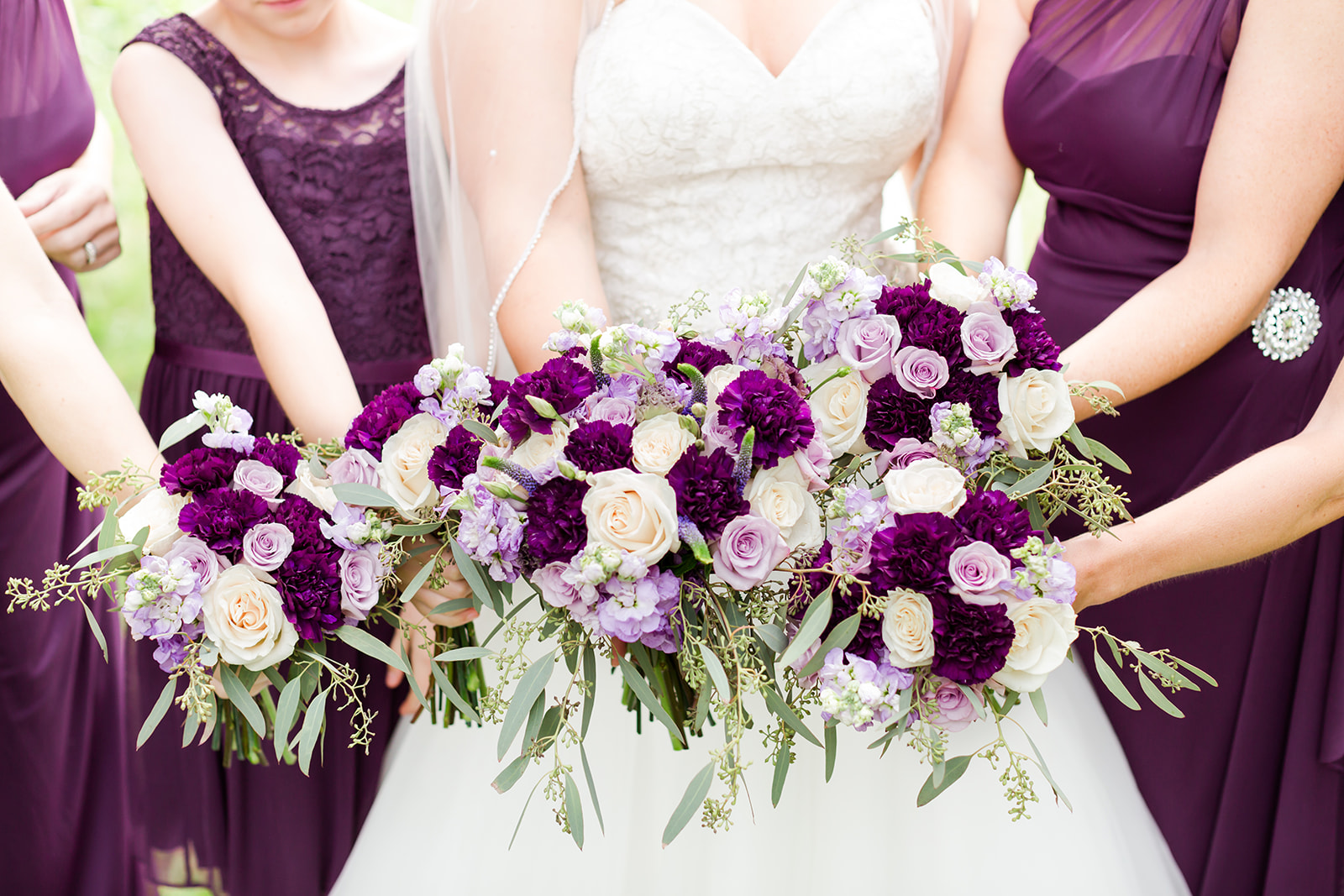 Lindsey White Photography | Royal Cliff in Eagan | wedding flowers all inclusive wedding venue and ballroom in Eagan Minnesota