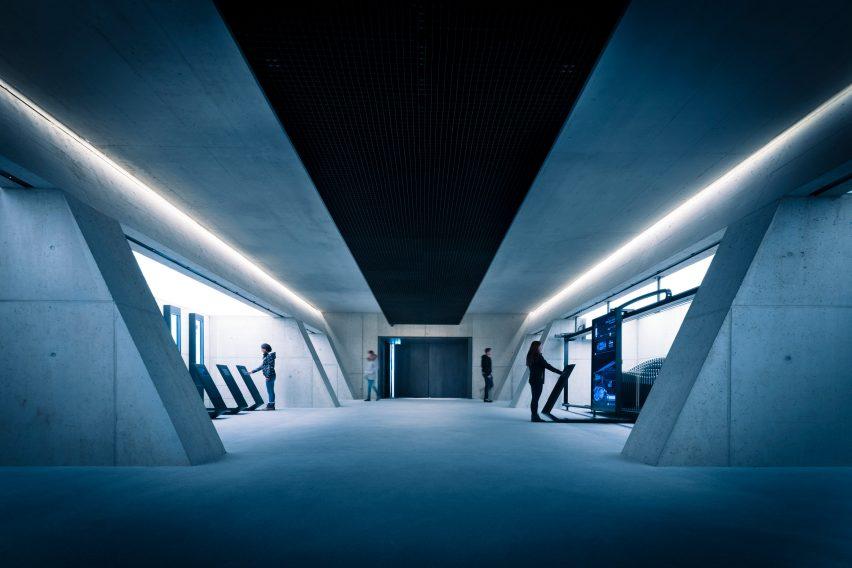 james-bond-007-elements-exhibition_dezeen_2364_col_17-852x568.jpg