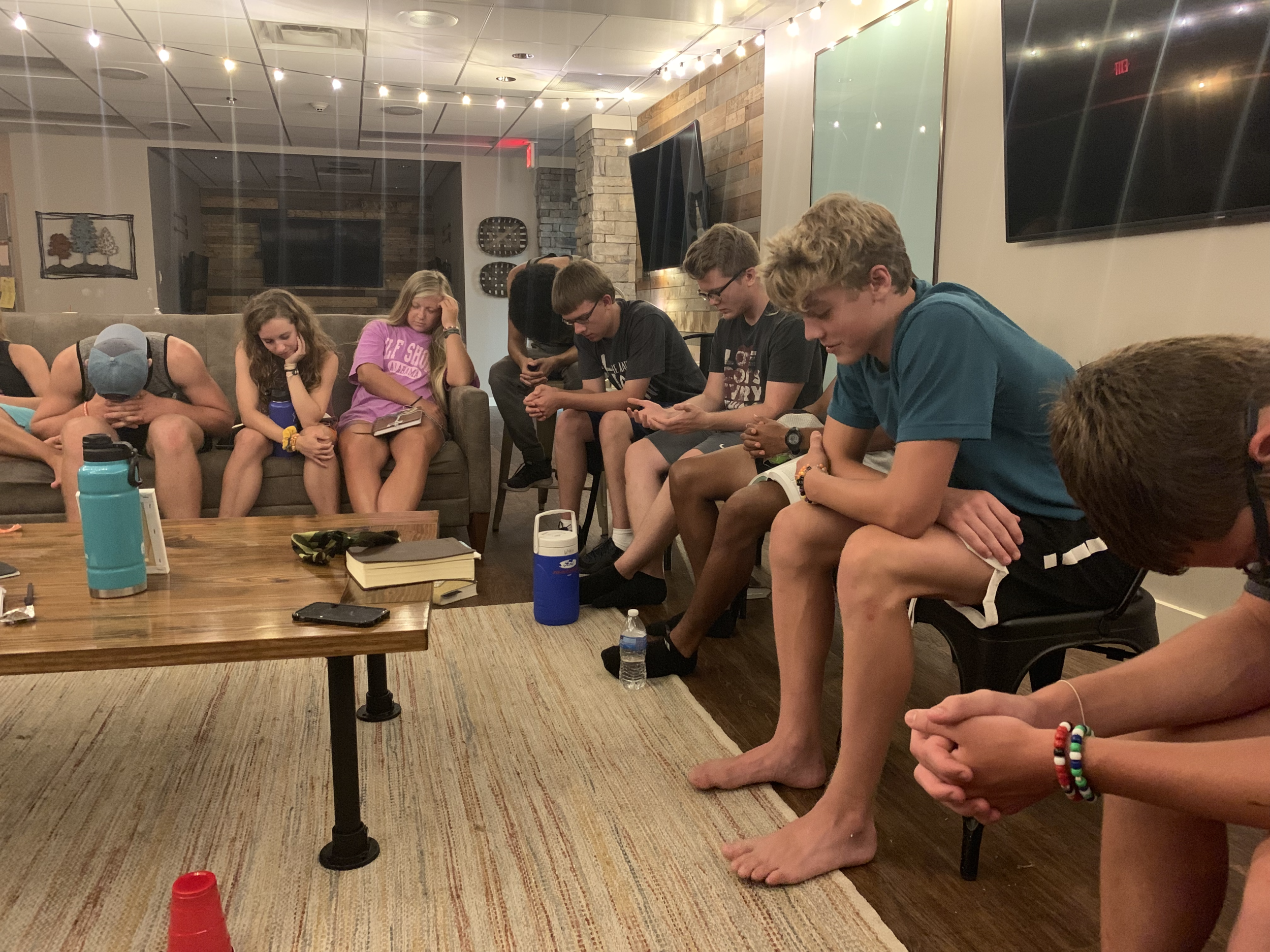 HIGH SCHOOL - Our 9th-12th grade ministry is all about connecting high school students to each other and to God through quality events and environments. The High School Ministry meets at 10:45 am on Sunday mornings in our high school environment called The Loft.