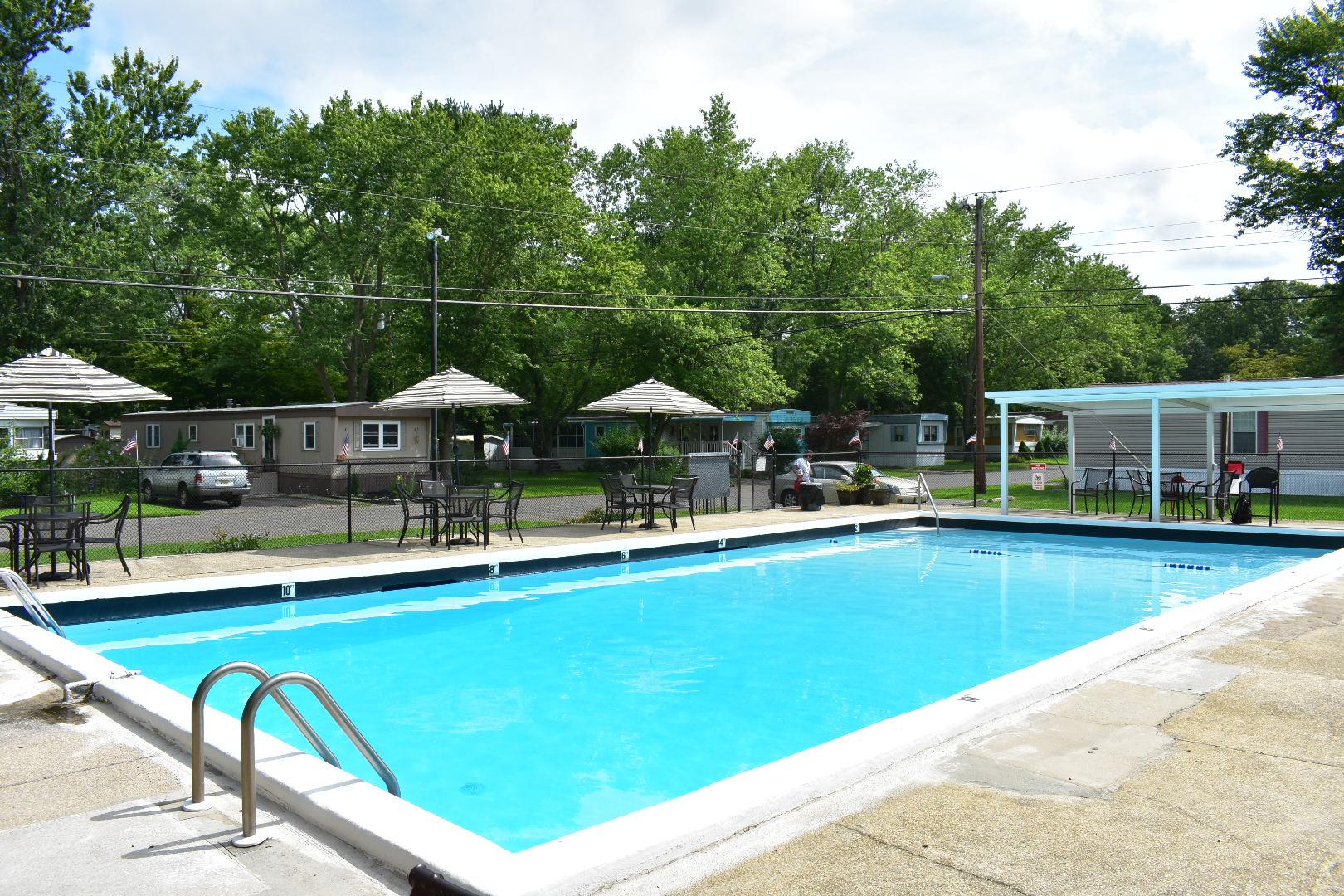 english creek manor pool.JPG