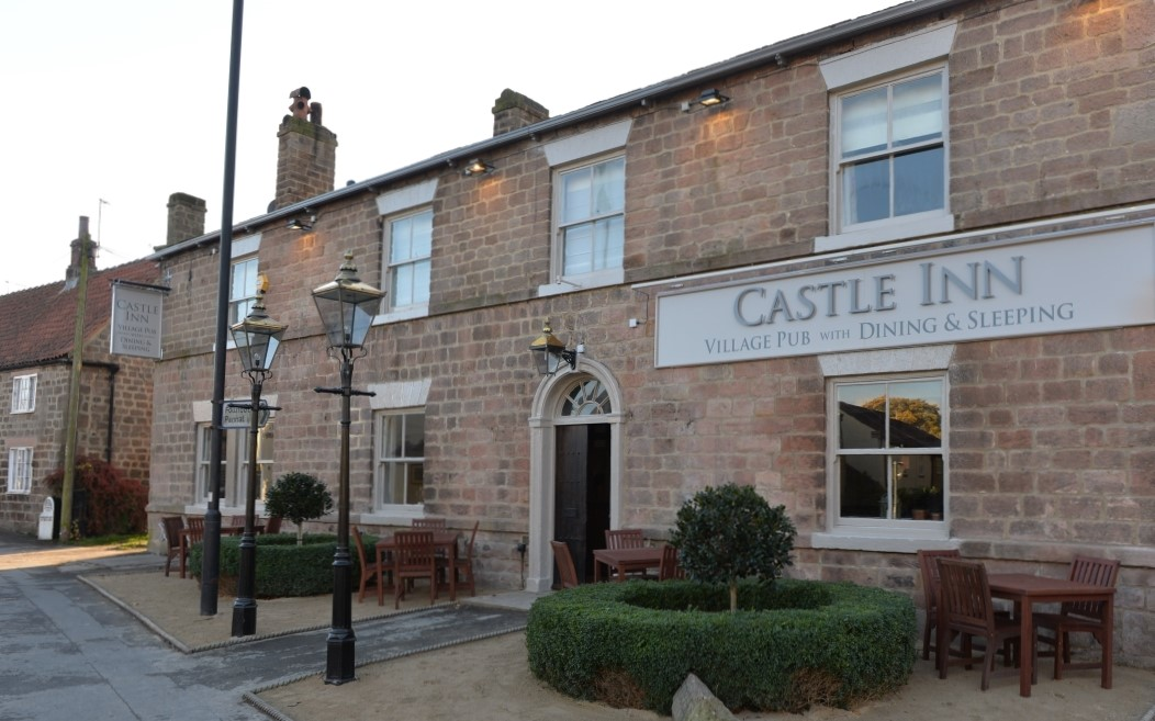 The Castle Inn  is located just 4 miles from Rudding Park and is in the picturesque village of Spofforth. With beautifully designed space for relaxed dining and twelve lovely en suite bedrooms, the inn is popular with people living close by and visiting this stunning part of Yorkshire.