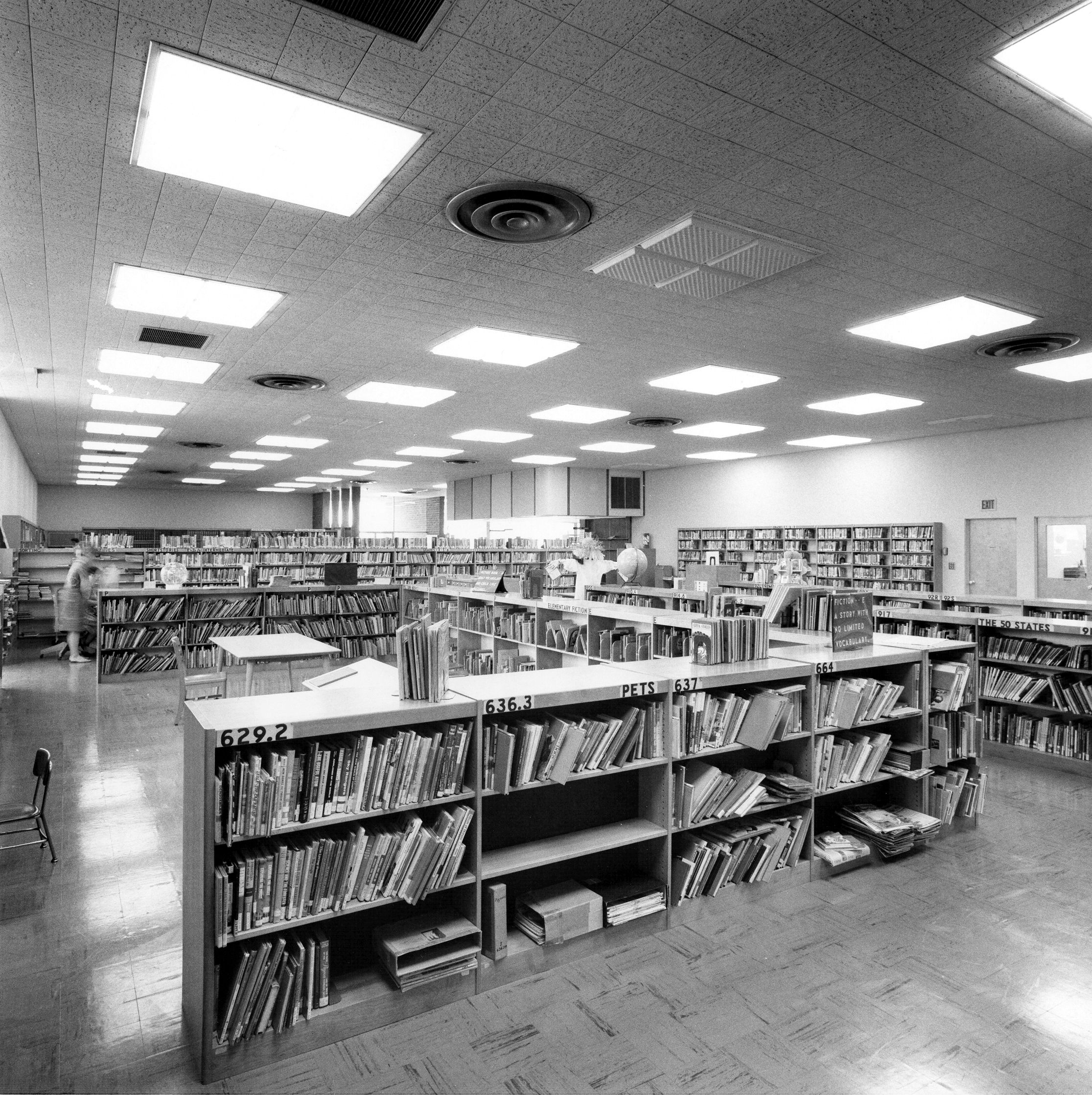 Downey Library 1967 Downey Historical Society image  85 33 112 edit.jpg