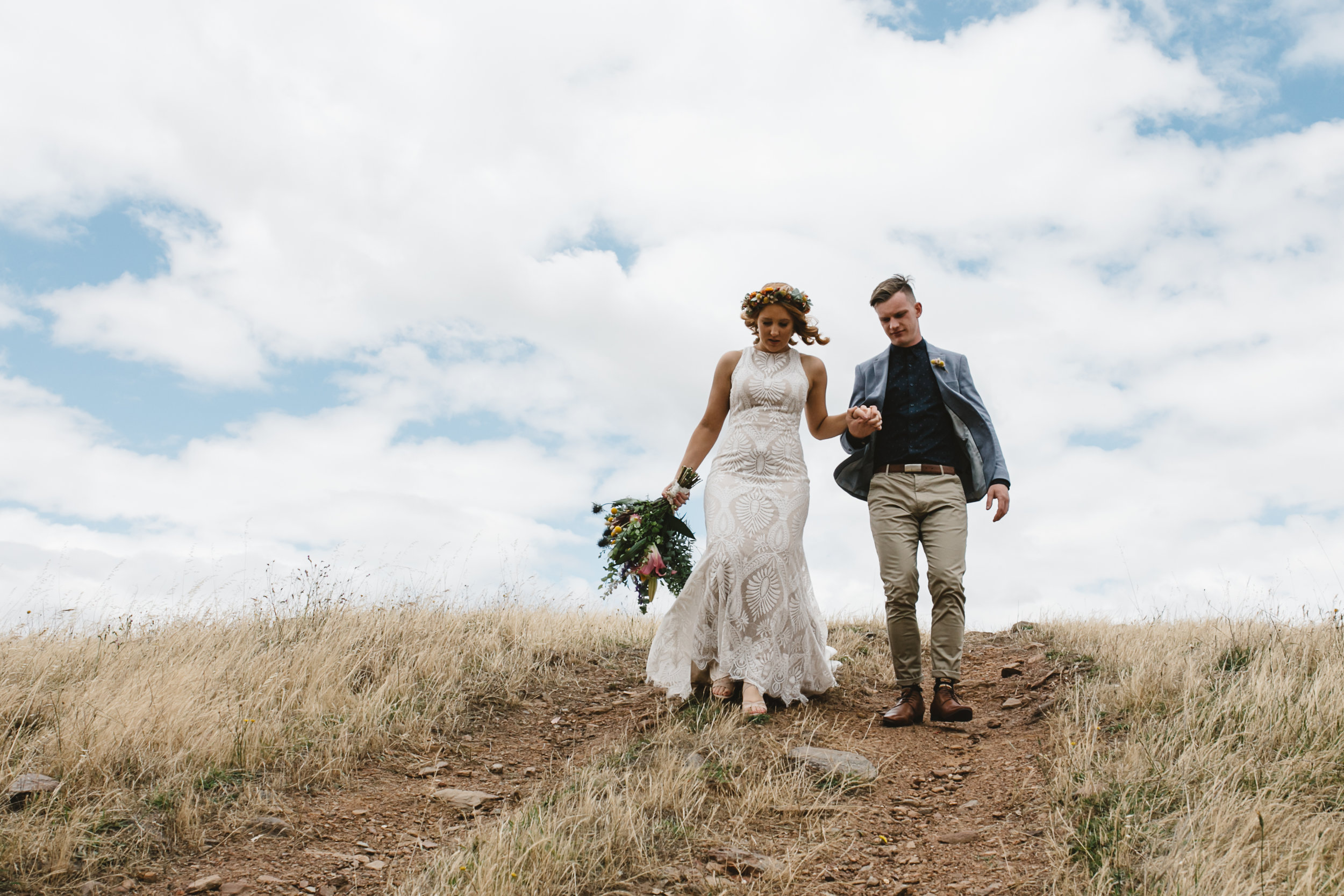 Rustic wedding venues in Mornington and wedding budget for australian couples