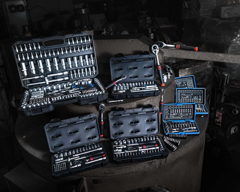 ratchet and sockets 1-min.jpg