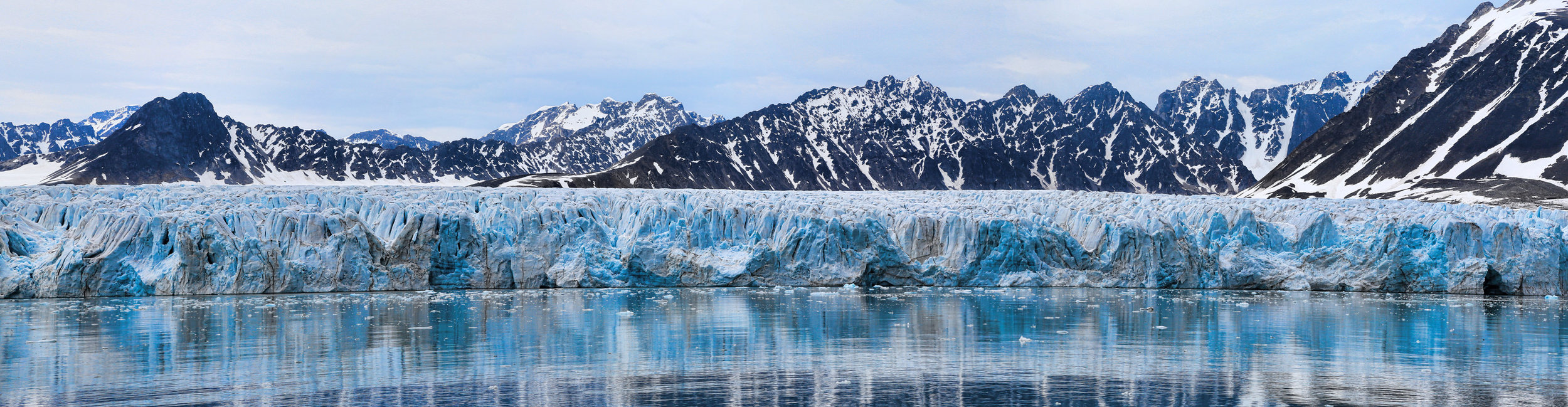 Calving front of Lilliehöökbreen glacier