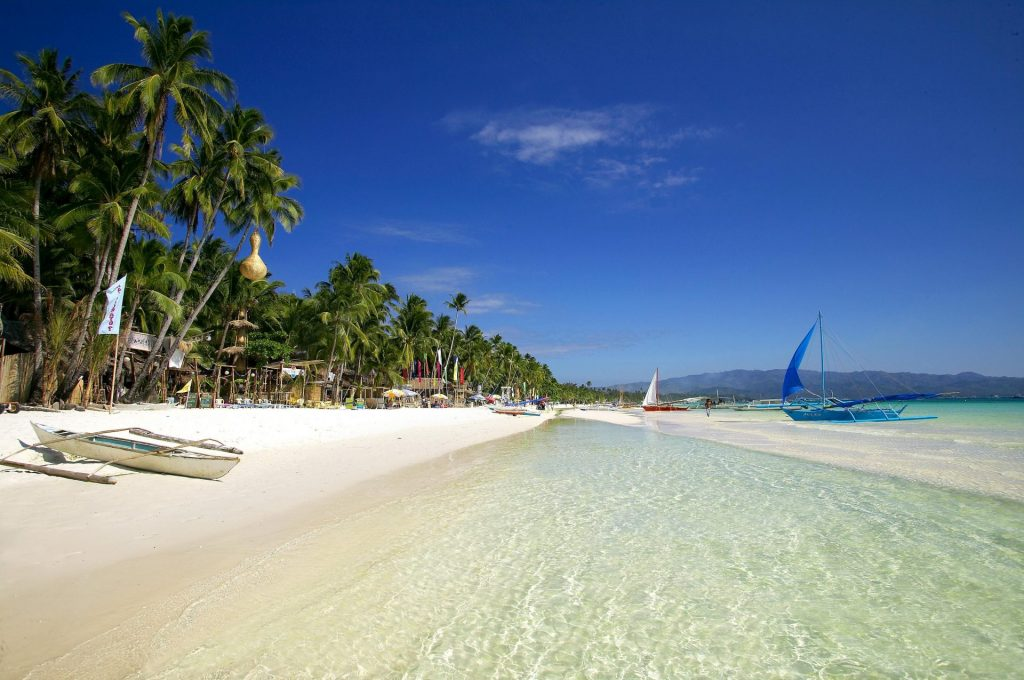 Island Hopping Through The Phillipines - THE UPSIDER