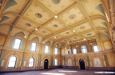 Excited to be back in Bendigo this September for our event, @thecreatorsmarket  One of our most favorite venues 😍 #bendigotownhall