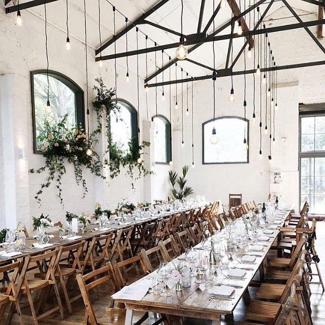 Obsessed with the style and whole look of this room by @londonbride 😍