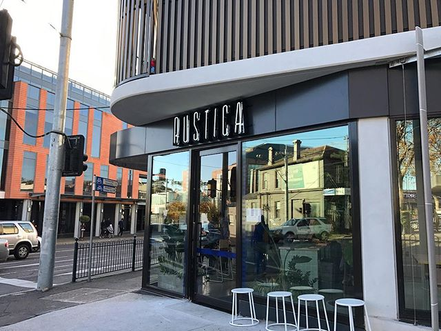 We loved visiting @rustica_hq Hawthorn today 🙌🏼 for a write up and will 100% be back - We recommend the COLD BREW & PANNA COTTA 🤤 Absolutely delicious!