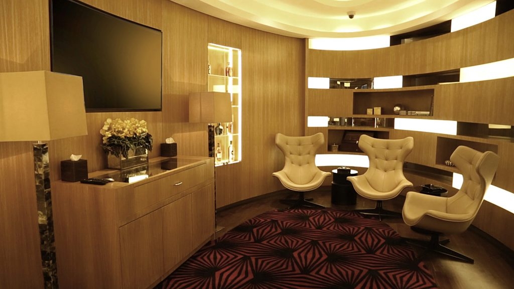 Best airport lounges - THE UPSIDER