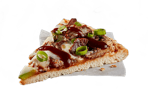 CHIPOTLE STEAK - Tender steak, capsicum and mushrooms served on a BBQ sauce base topped with spring onions and BBQ chipotle flavoured sauce.