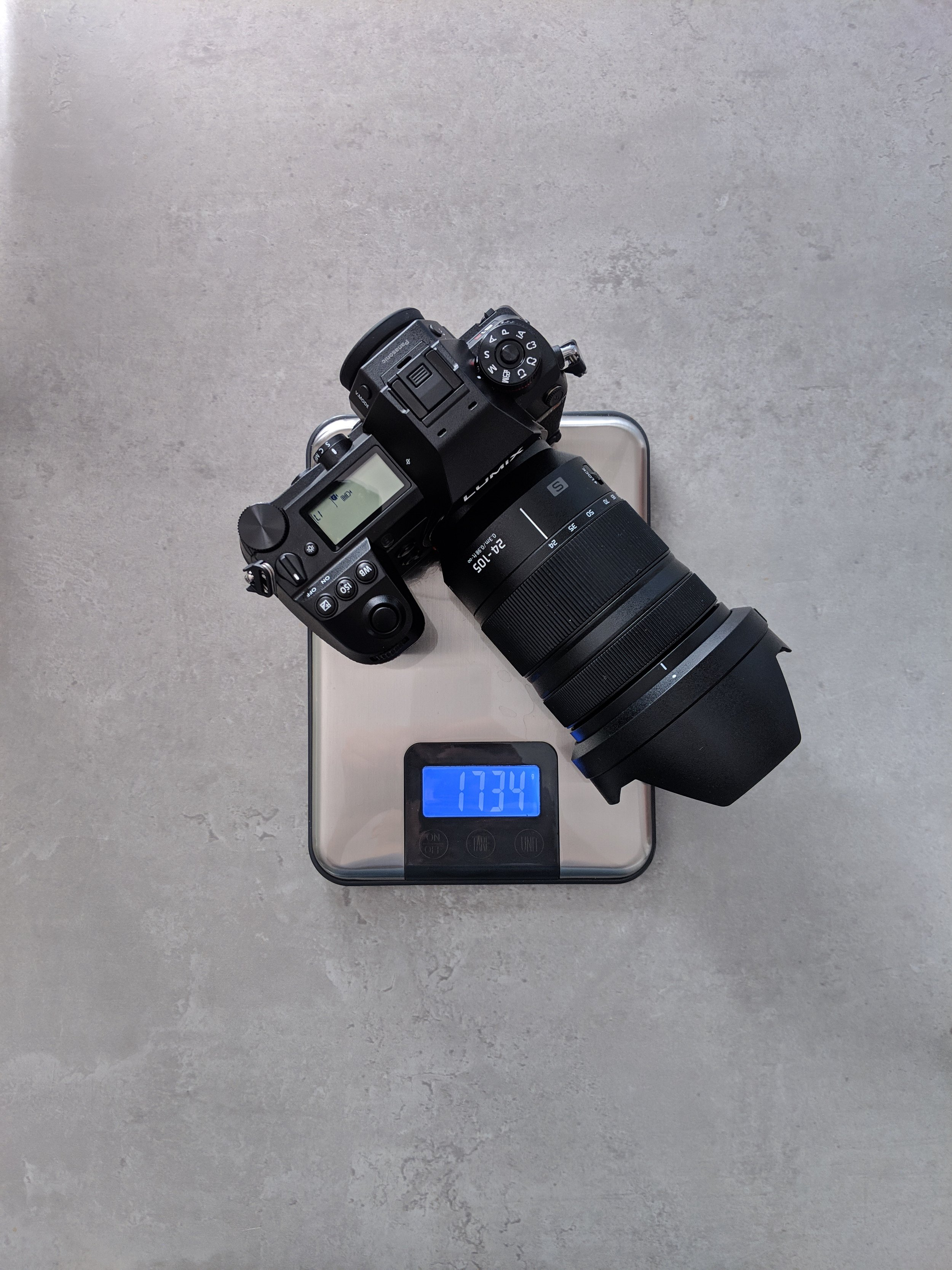 Lumix S1R weight with 24-105mm
