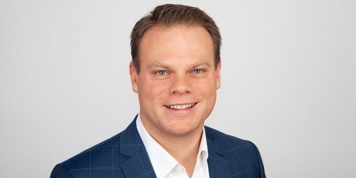 Dekan Prof. Dr. Ingo Ballschmieter - FHM