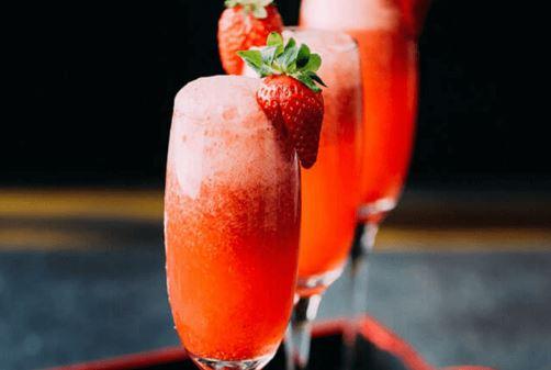 strawberry prosecco.JPG
