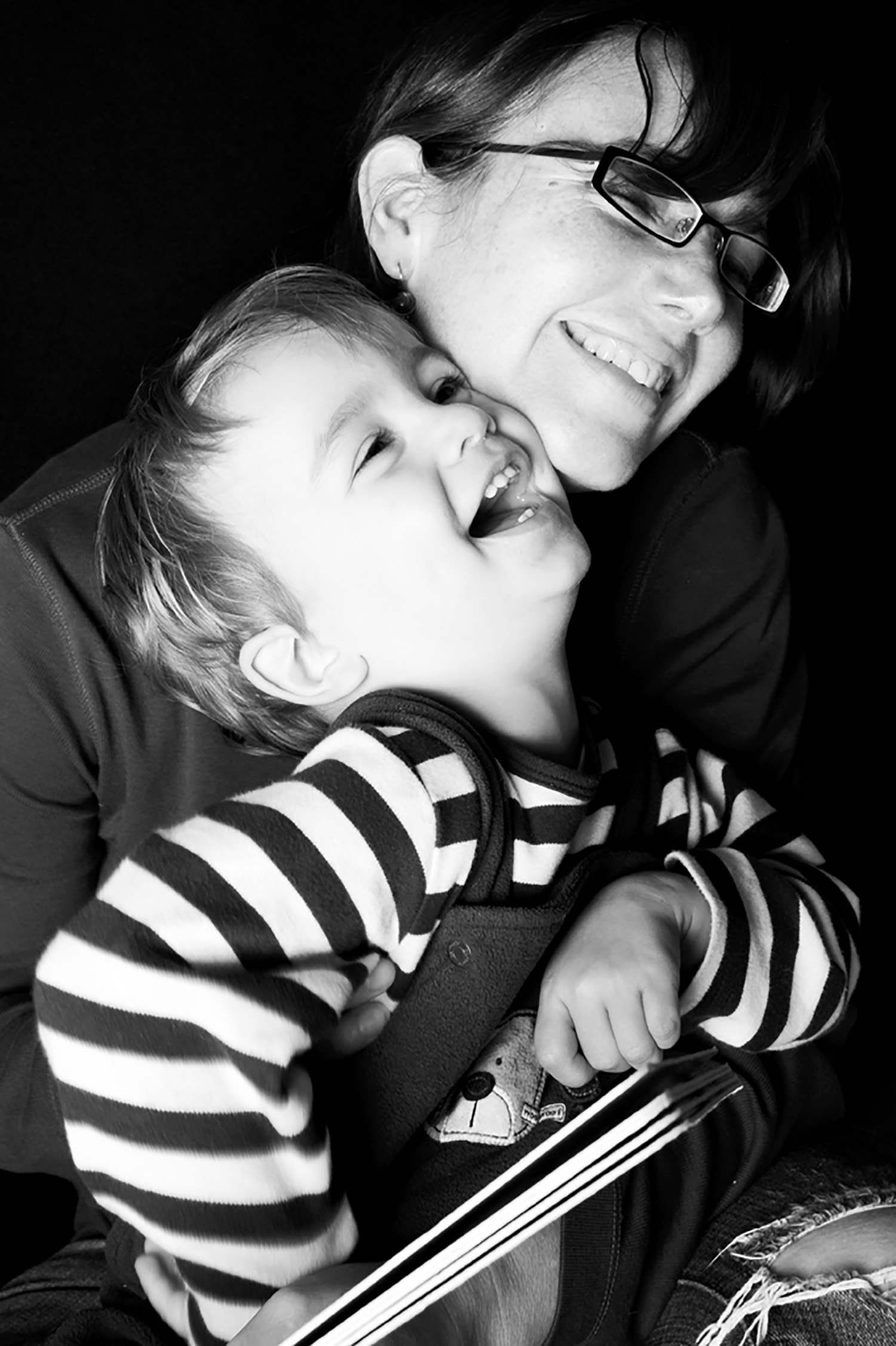 jma-photography-mother-son-laughing.jpg