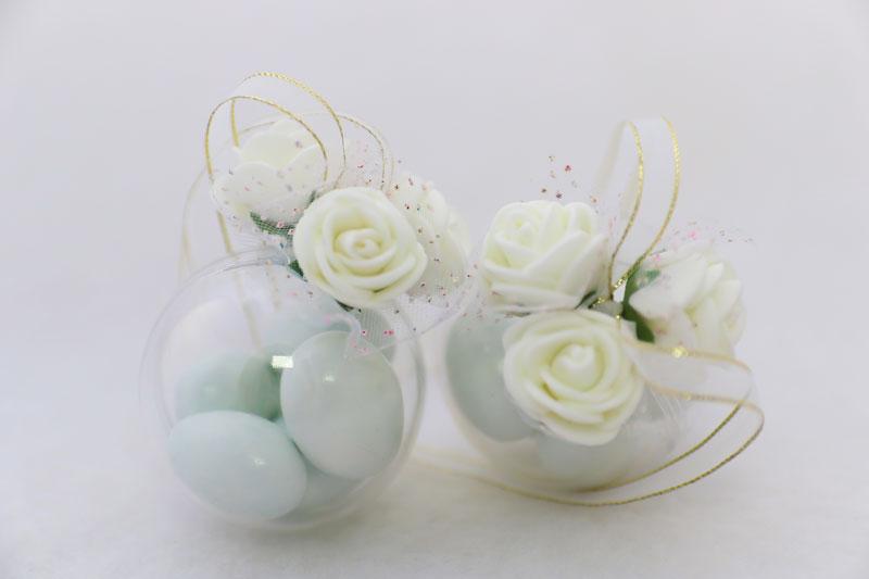 esfera-de-acrilico-com-5-confetes-(-3-flores-+-fita-para-pendurar)-R$20.jpg