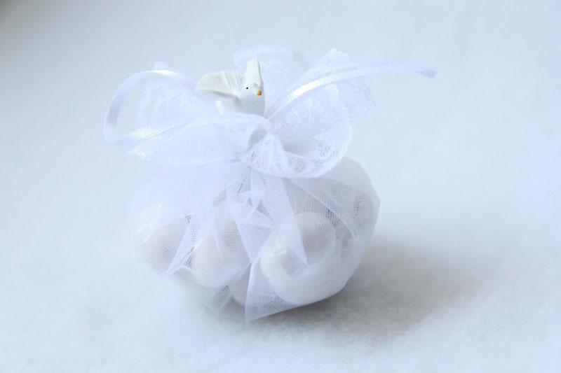 palla-de-amendoas-batizado-com-espirito-santo-de-biscuit-5-confetes-R$43.jpg