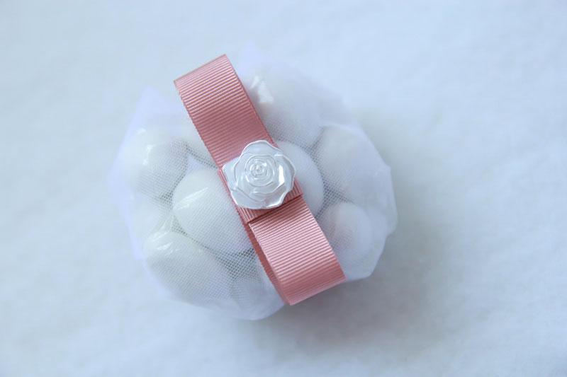 palla-de-amendoas-com-15-confetes-e-aplique-de-fiore-R$41.jpg