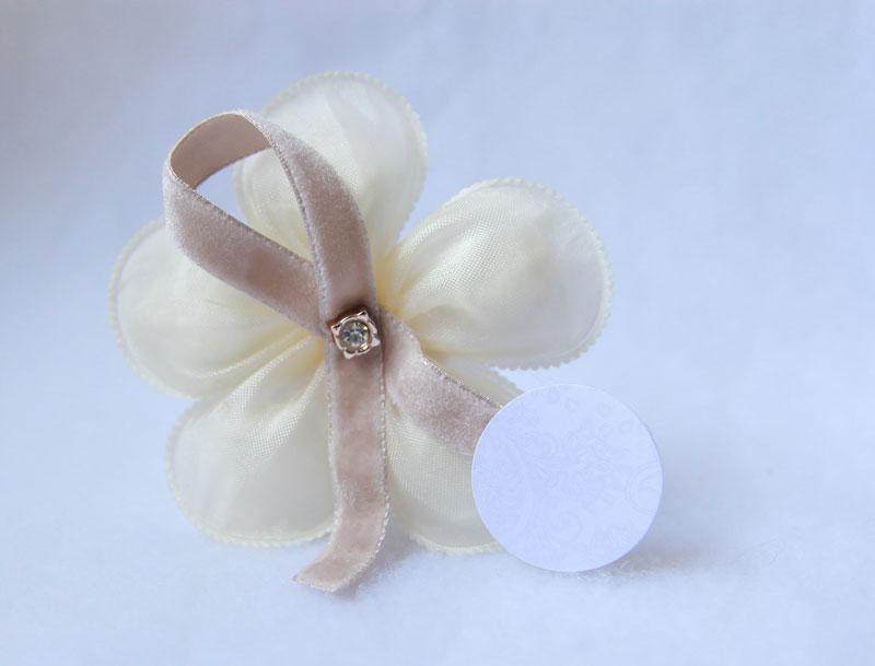 petalas-de-amendoas-laço-veludo-R$25.jpg