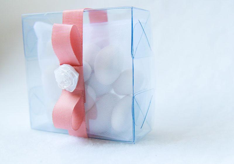 quadrato-de-amendoas-11-confetes-com-caixa-de-acetato-e-fiore-R$37.jpg
