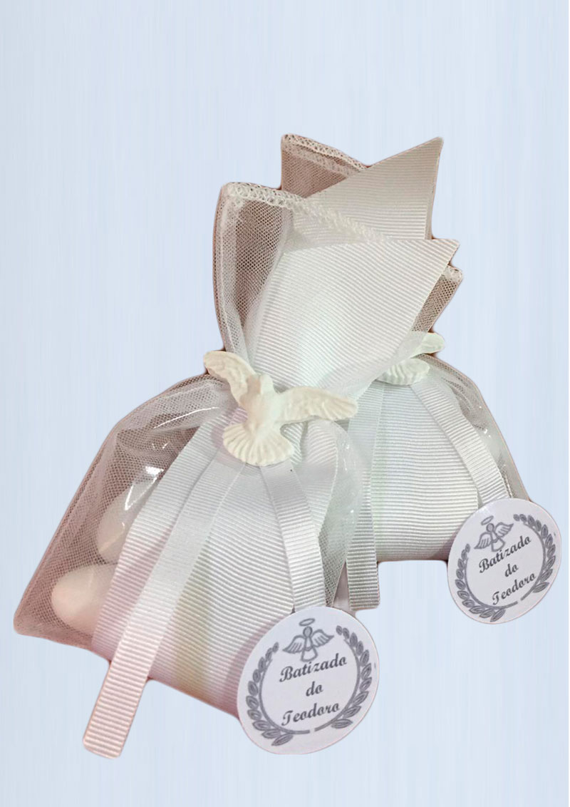 saquinho-voal-luxo-batizado-5-confetes-R$21.jpg