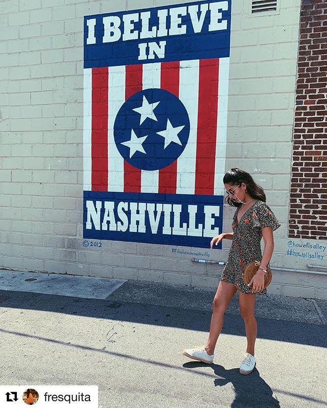 @fresquita stepped up the style game in Howell's Alley yesterday 😎 • • • #howellsalley #ibelieveinnashville #12south #12southnashville #12southnash #12southlove #615 #nashville #nashville_tn #nashvilletn #nashville #nashvillegram #nashvegas #smash #smashville #draperjames #nash #tennessee #musiccity #mural #art #weekendvibes #nashvillelove #ilovenashville