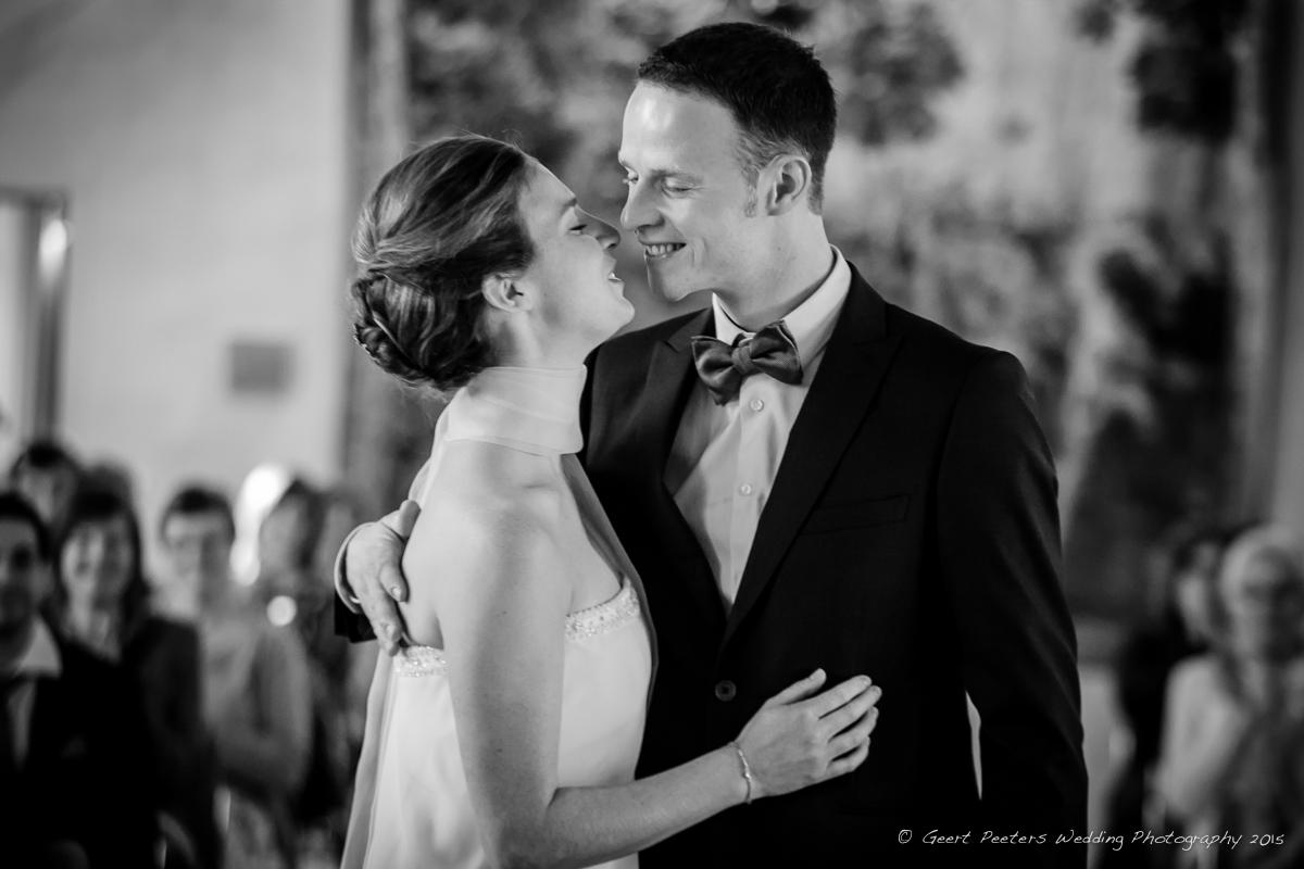 huwelijksfotograaf-voor-fien-en-jeroen-kasteel-van-egmond-fabriekspand-roeselare-11.jpg