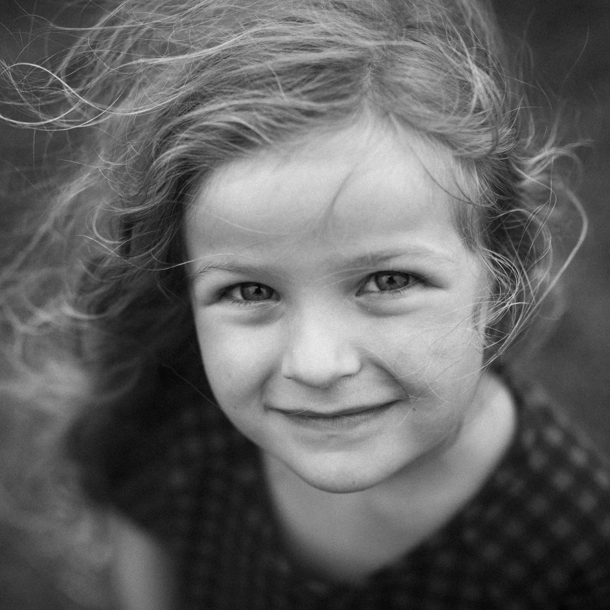 LILY BROSHA - SOUL SISTER / PIANO GIRL / HAPPY POWER