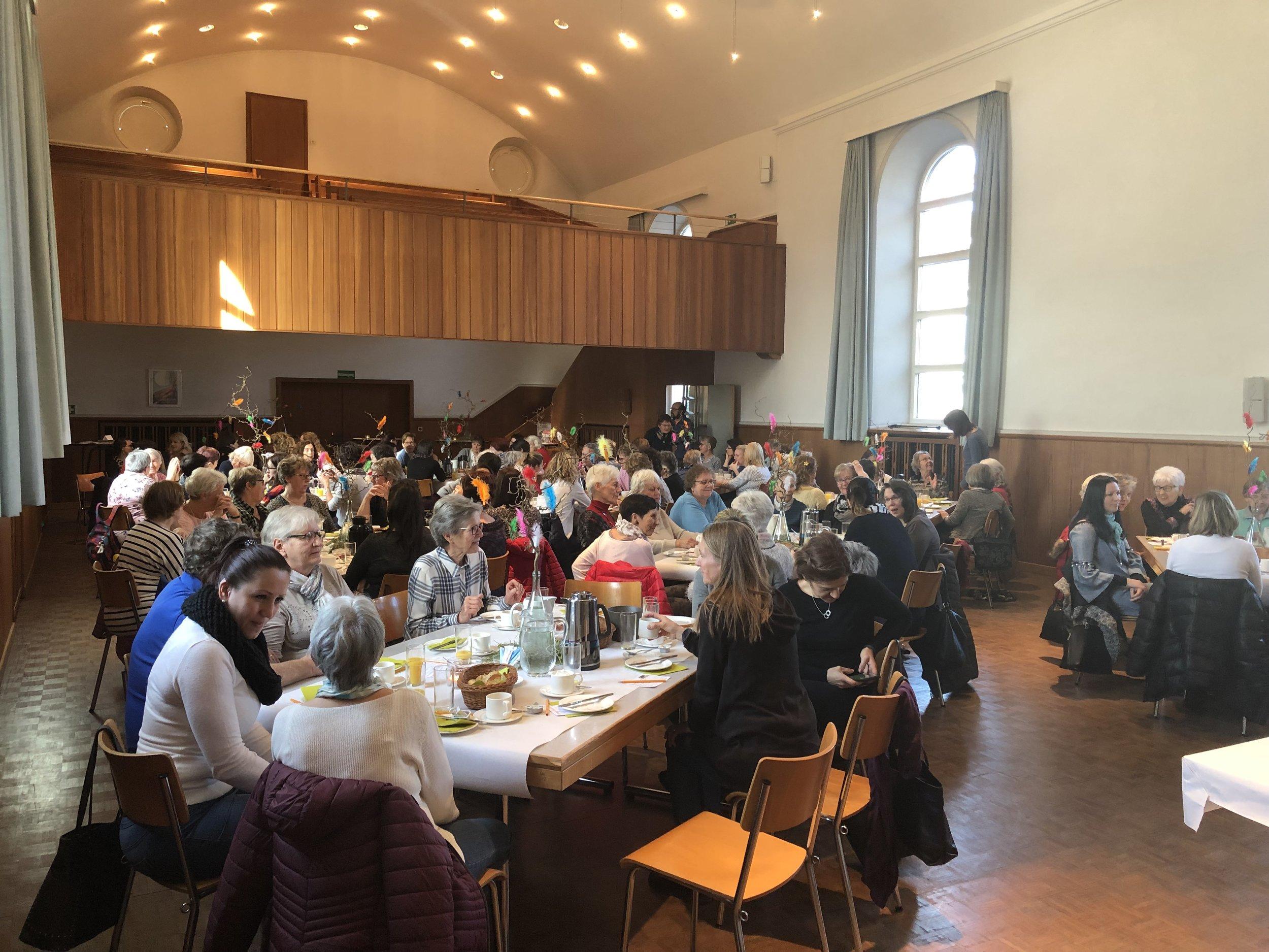 Frhstckstreffen fr Frauen: Willkommen