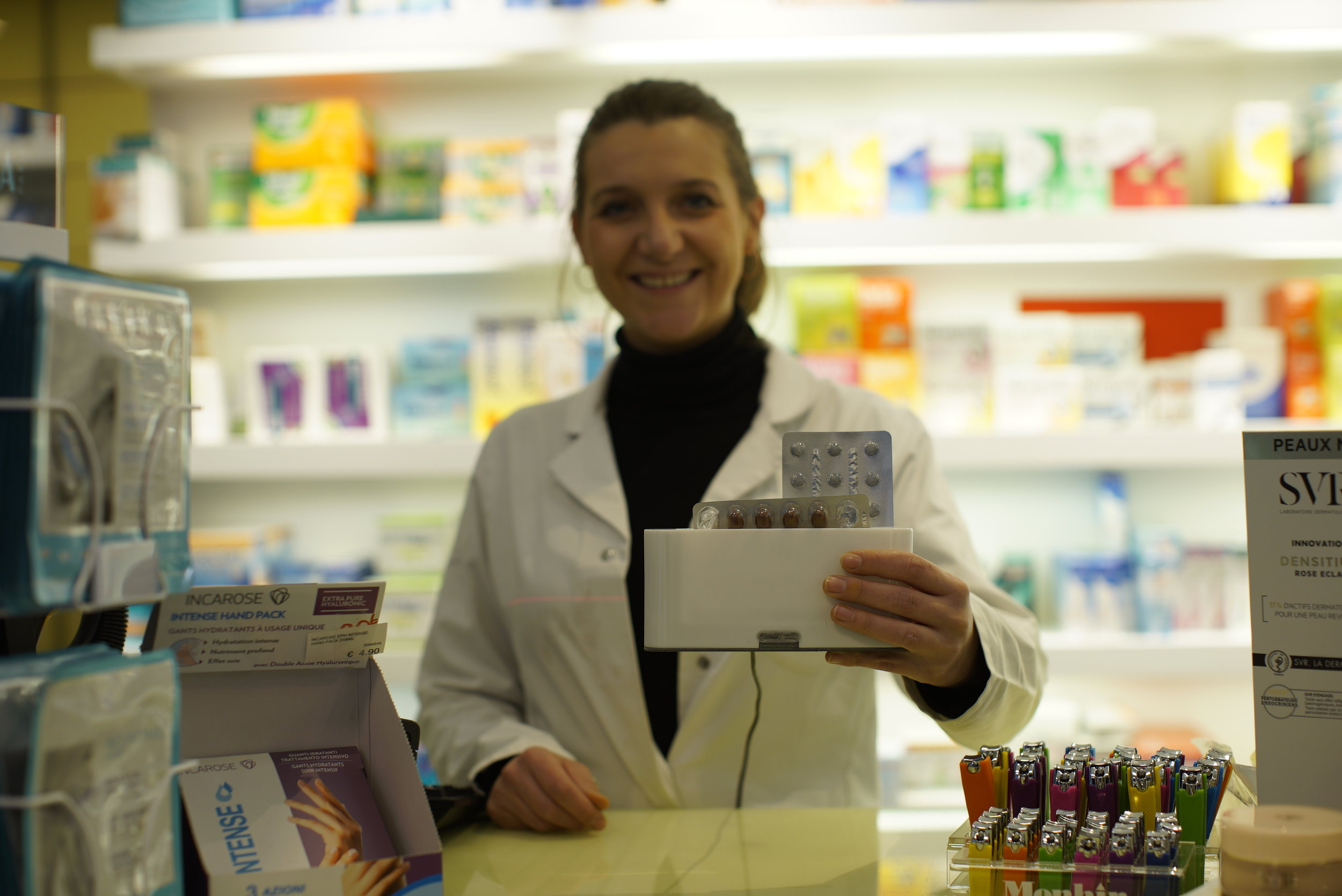"""Fabienne Parmentier, pharmacist in Liege (BE) - """"P-heal is a reliable assistant for all my patients suffering from a chronic disease. Here is a concrete solution to achieve health goals."""""""