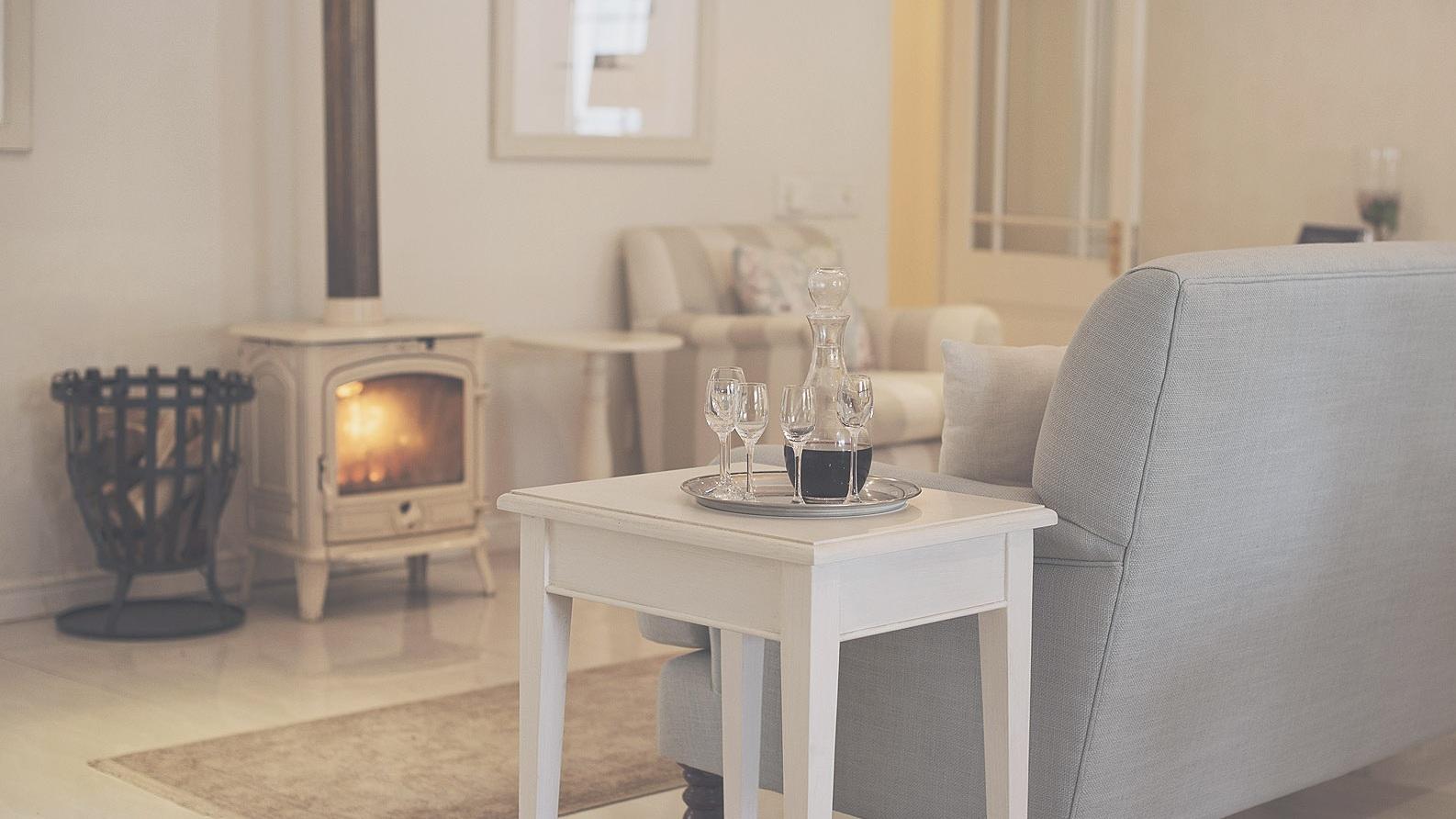 Franschhoek+fireplace+drinks.jpg