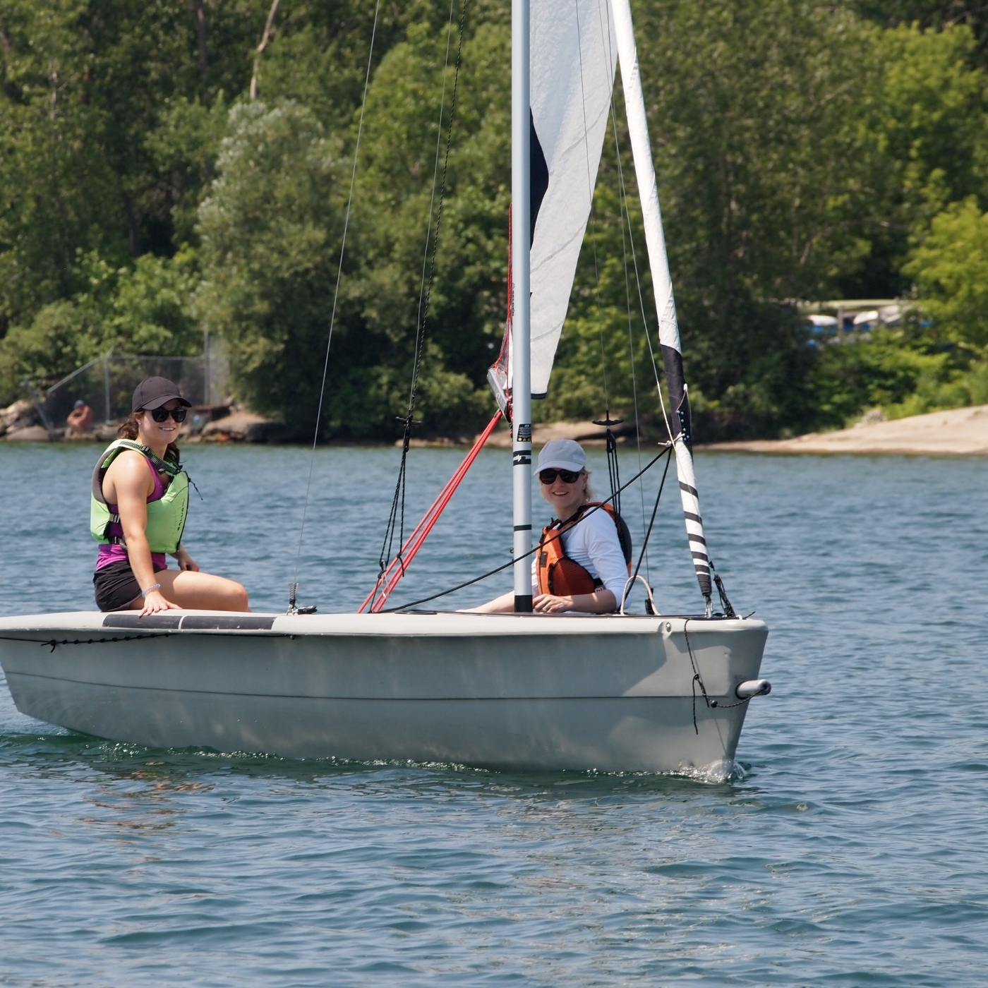 Sailing Fanatics - adult learn to sail sailing school in Toronto